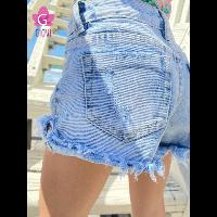 שורט ג'ינס קרעים