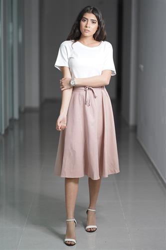 חצאית קלוש וקשירה