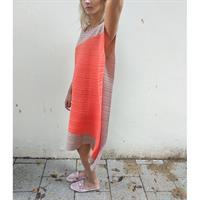 שמלת ליס פליסה מוקה קורל