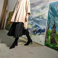 חצאית פליסה שחורה - סאטן משי