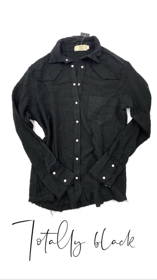 חולצת צווארון תיק תק שחורה
