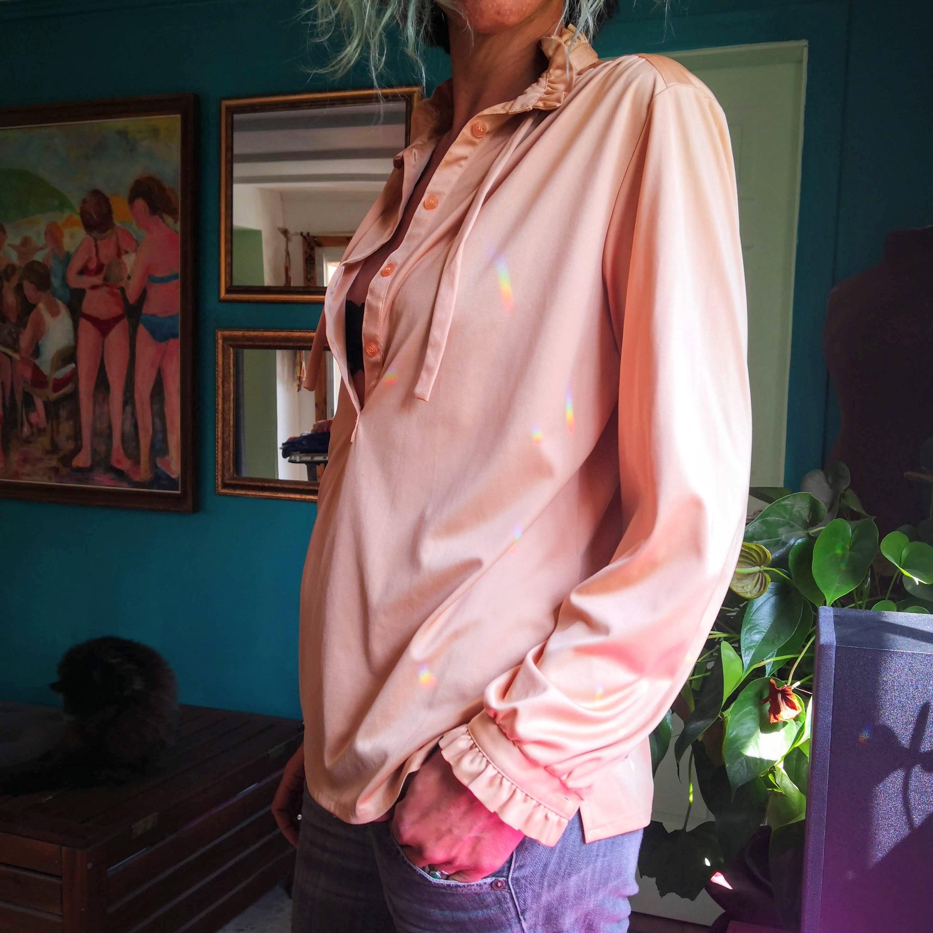 חולצה מוזהבת זורמת מידה M/L