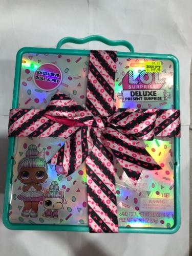 בובת לול דלוקס קופסה ירוקה Deluxe present surprise