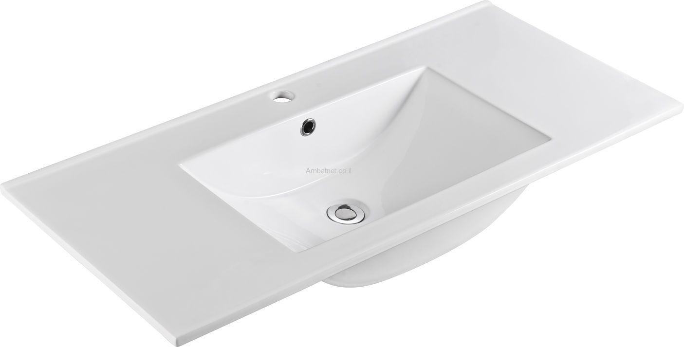 """כיור חרס לאמבטיה 100\47 ס""""מ של חברת AMBAT ."""