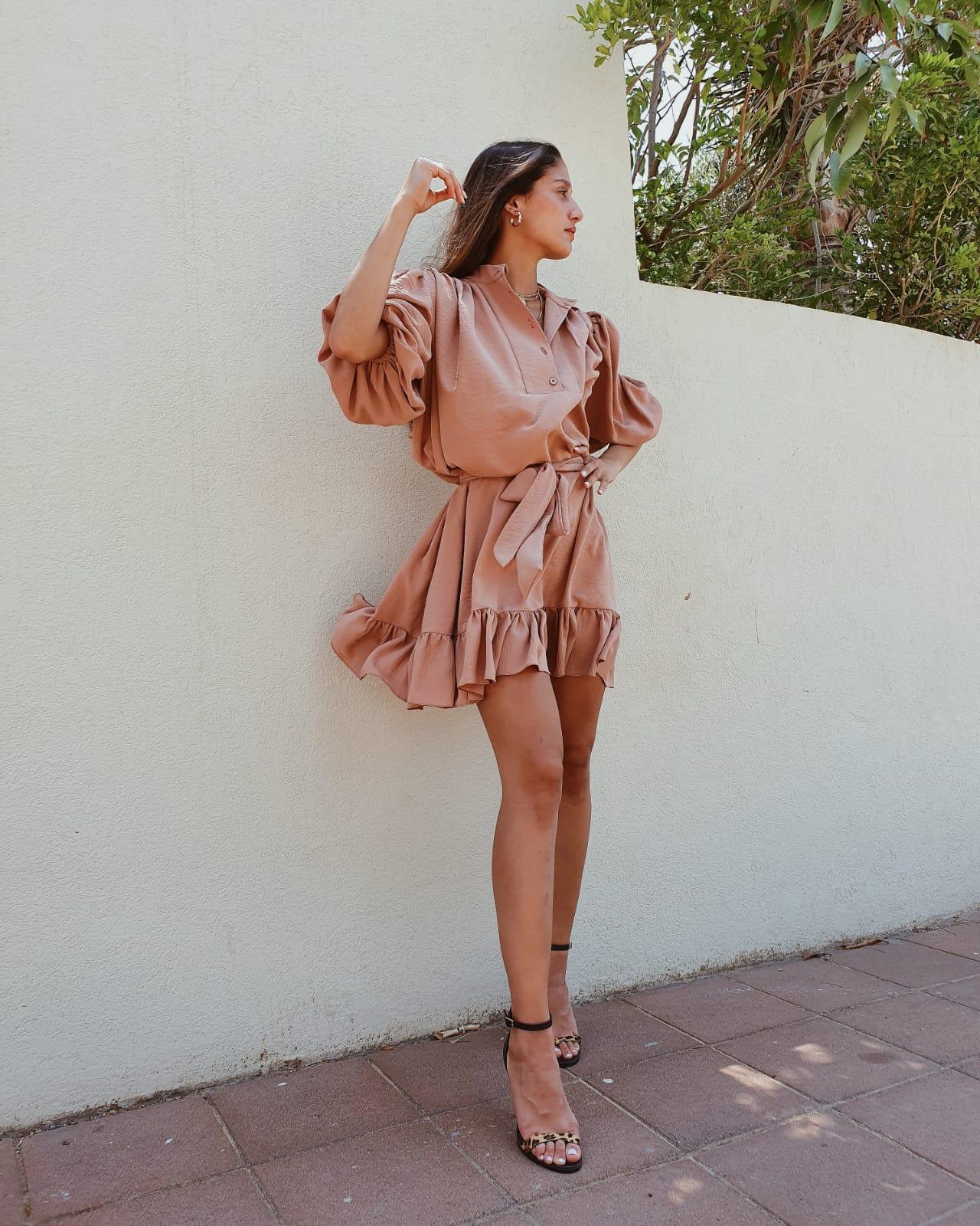 שמלת ג׳ודית - אפרסק