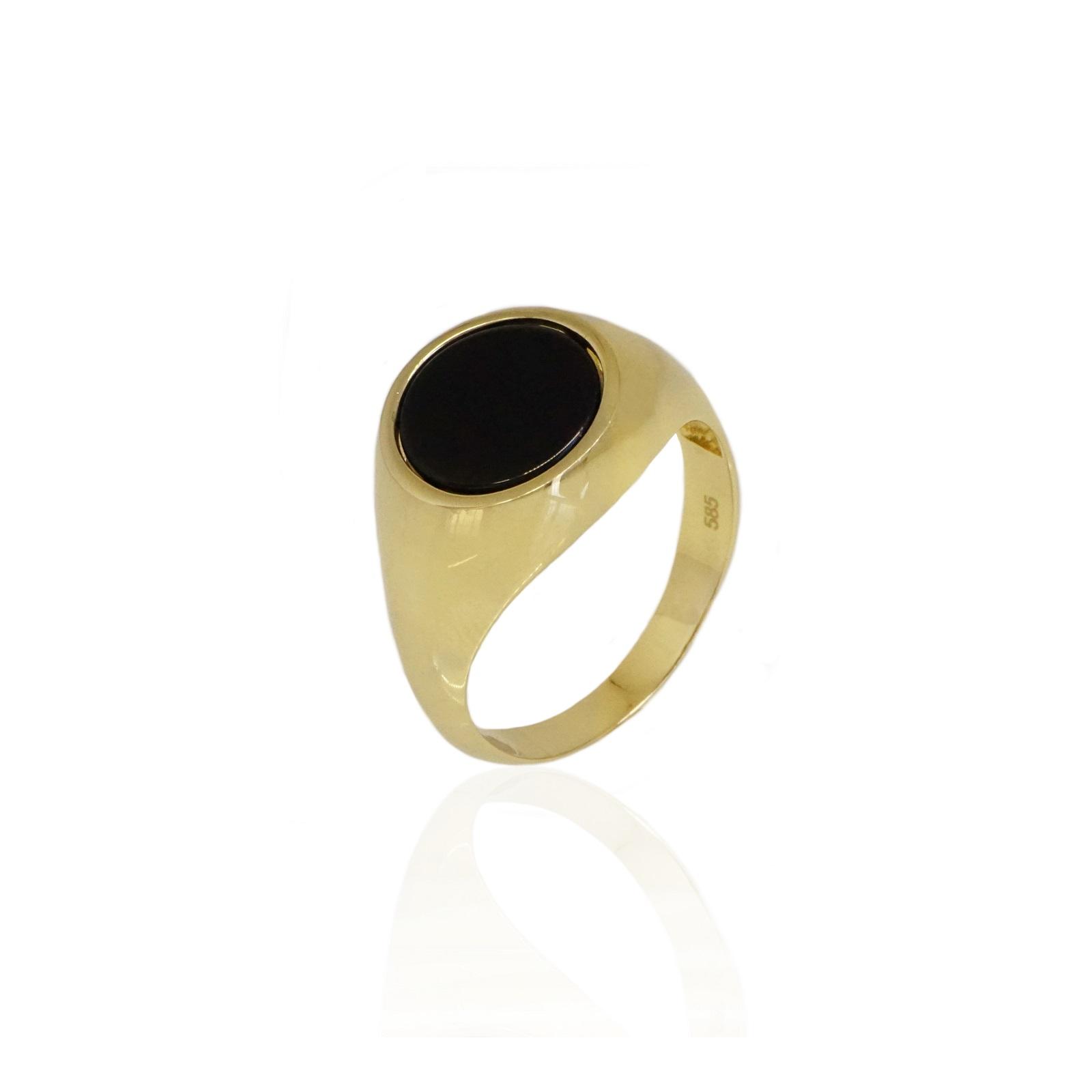 טבעת זהב לגבר עם אבן אוניקס