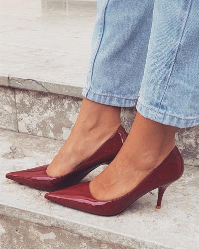נעל עקב לאקה בורדו