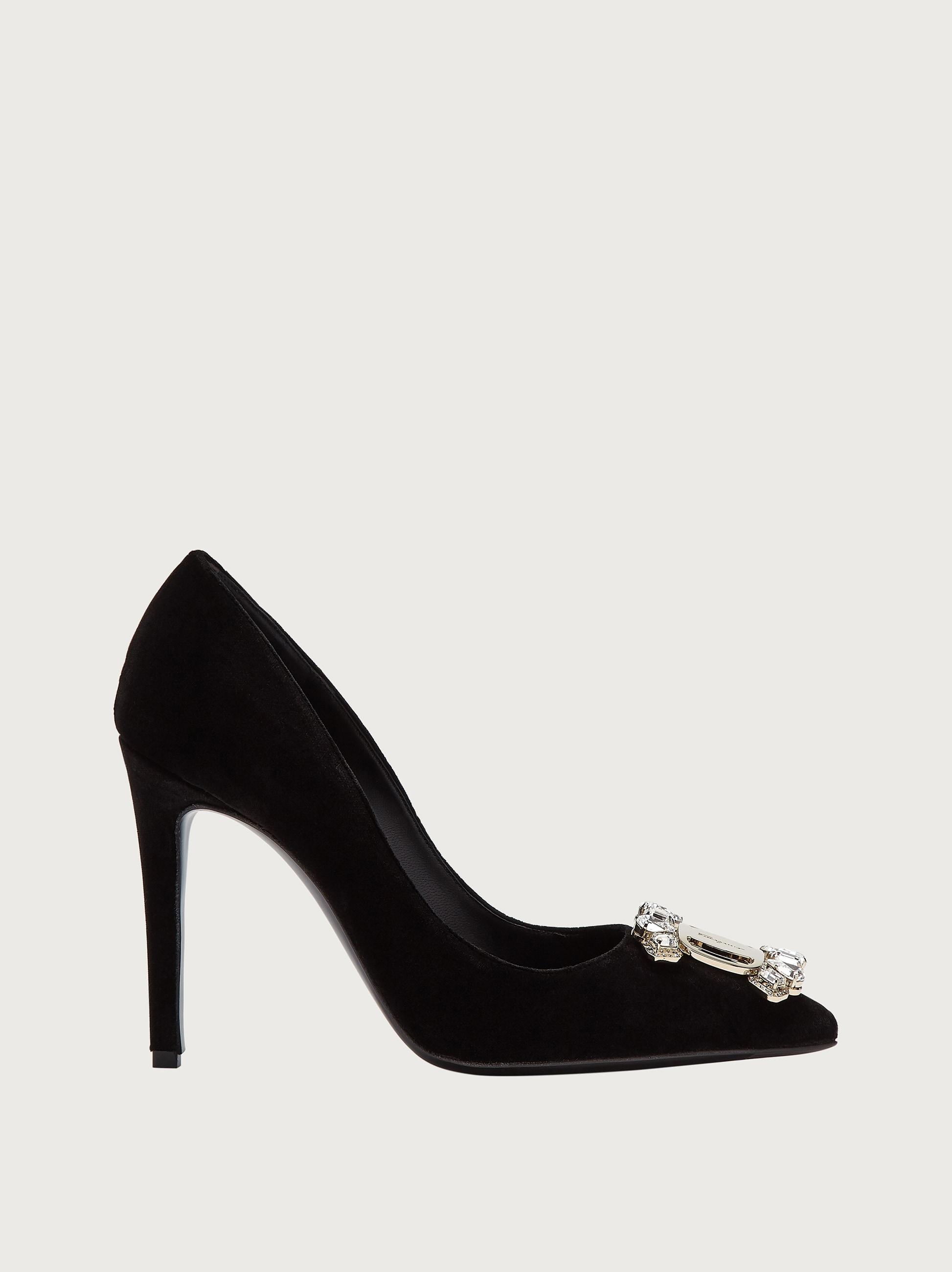 נעלי Salvatore Ferragamo Ornament Pump Hailey לנשים