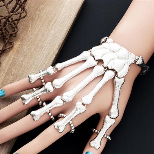 תכשיט עצמות יד - הטרנד החדש בעולם