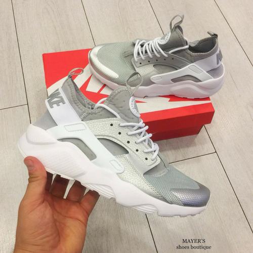 Nike - Hurache Ultra