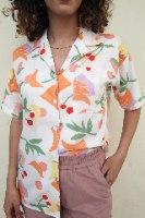 חולצת תותי מכופתרת