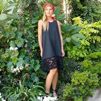 שמלת ניקס שחור וקרושה