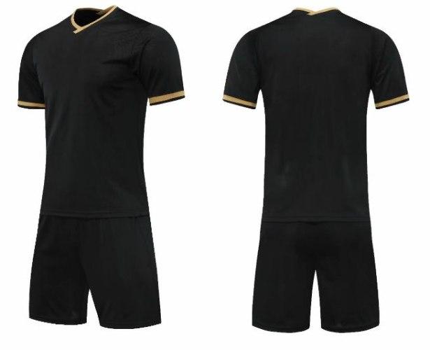 חליפת כדורגל צבע שחור זהב (לוגו+ספונסר שלכם)