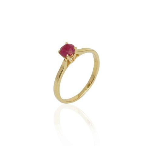 טבעת רובי עשויה זהב דגם סוליטר