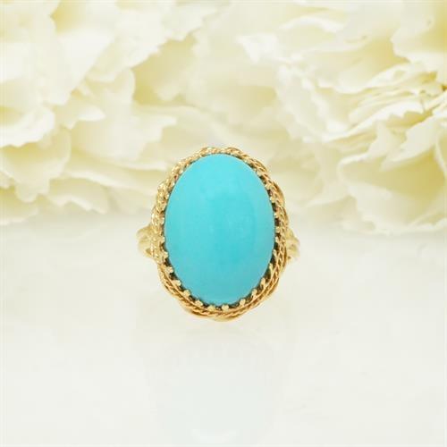 טבעת זהב משובצת טורקיז גדולה מעוטרת