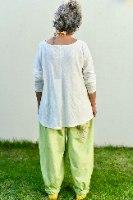 חולצה מדגם קשת בצבע שמנת (סלאב)