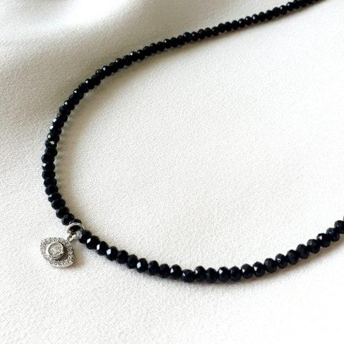 שרשרת חרוזים שחורים עם תליון עין 925