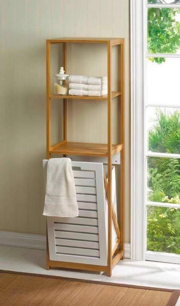 """מעמד כביסה מעוצב מעץ במבוק חום בשילוב 2 מדפים ודלת הסל בצבע לבן 1.30 מ' גובה  רוחב 50 ס""""מ"""
