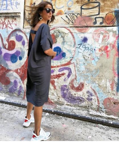 שמלת אוגיסטה גב - אפורה