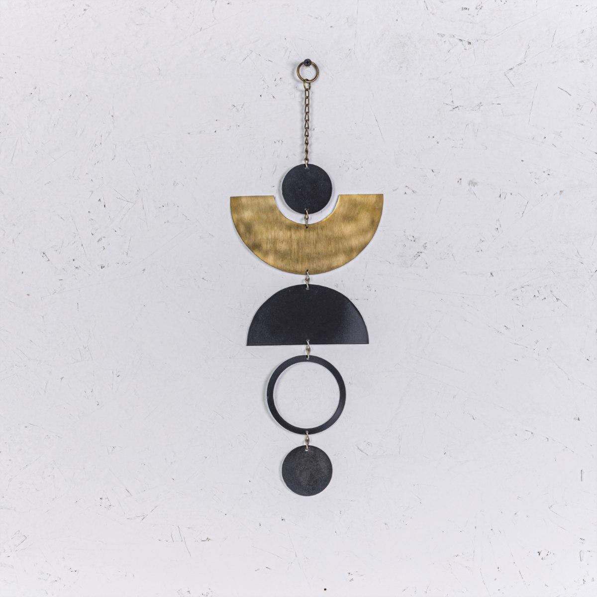 קישוט מתכת לקיר - קשתות ועיגולים (שחור)