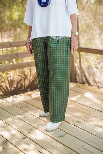 מכנסיים מדגם מיכאלה עם משבצות בצבע ירוק