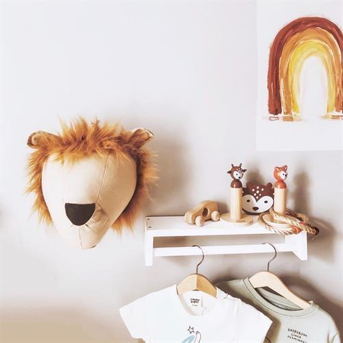 אריה לתליה על הקיר