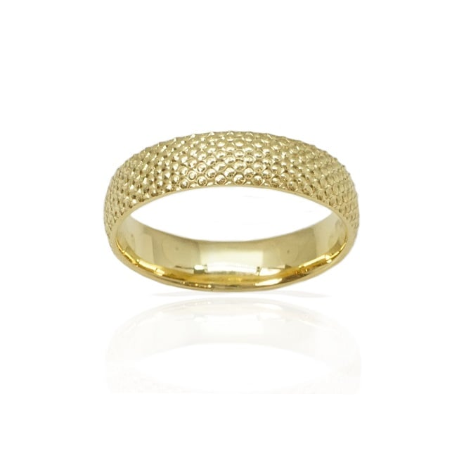 טבעת נישואין עדינה עם חריטות בזהב 14 קרט- דגם M182