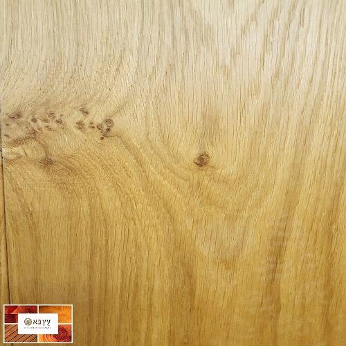 פרקט עץ אלון תלת שכבתי לכה מוברש ברמת מיון גבוהה
