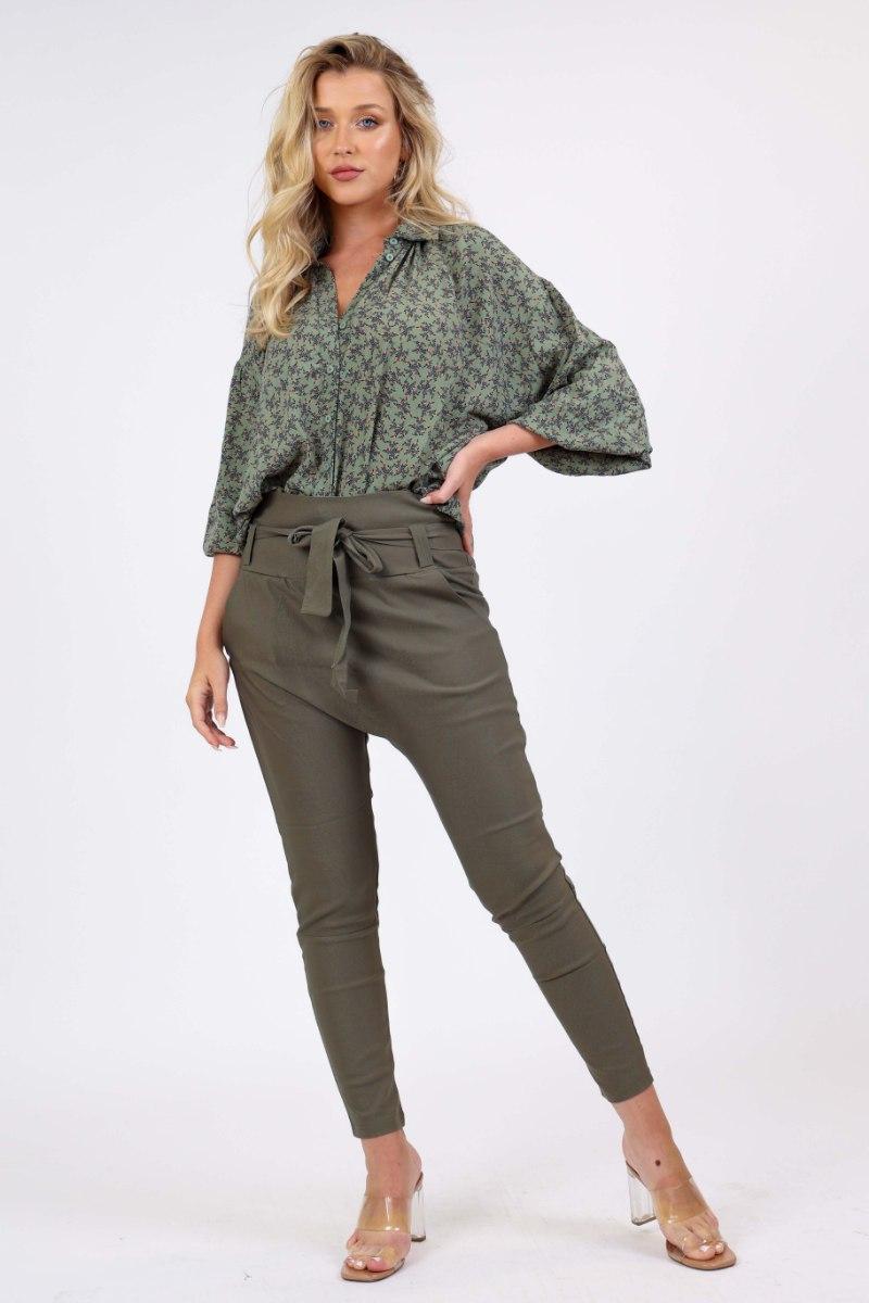חולצת טיאה ירוק פרחוני/שחור חלק