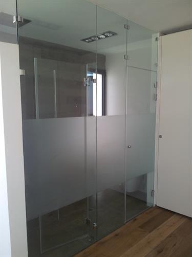 מחיצה לחדר מקלחת 4
