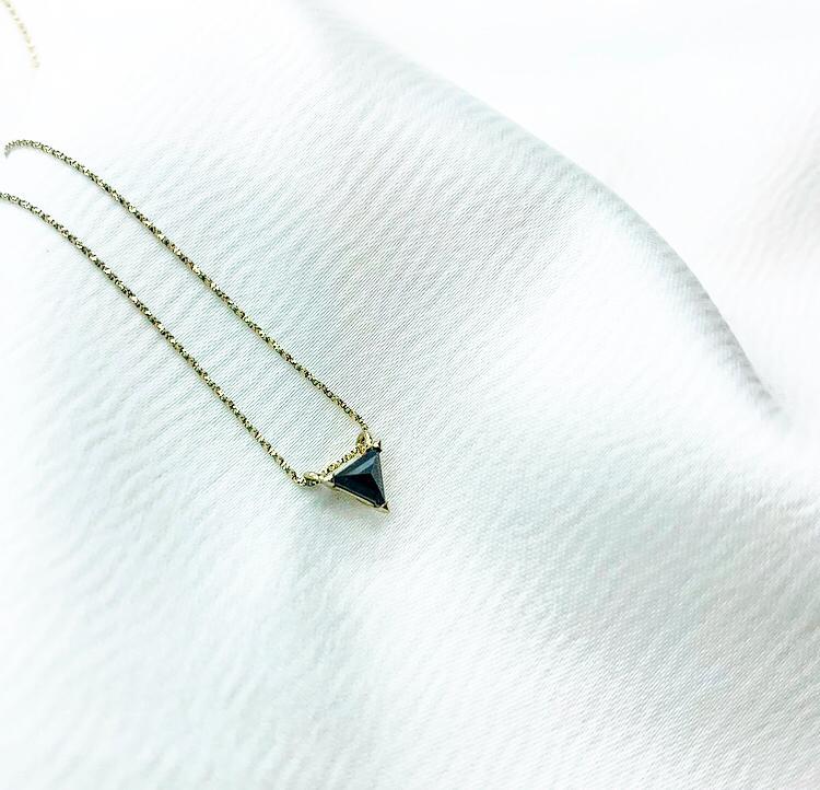 שרשרת יהלום משולש זהב 14 קראט