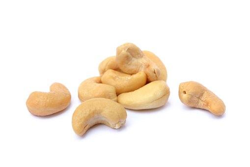 אגוזי קשיו טבעיים לא קלויים - 100 גרם
