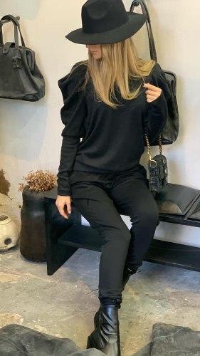 חליפת שרוול פאף שחורה