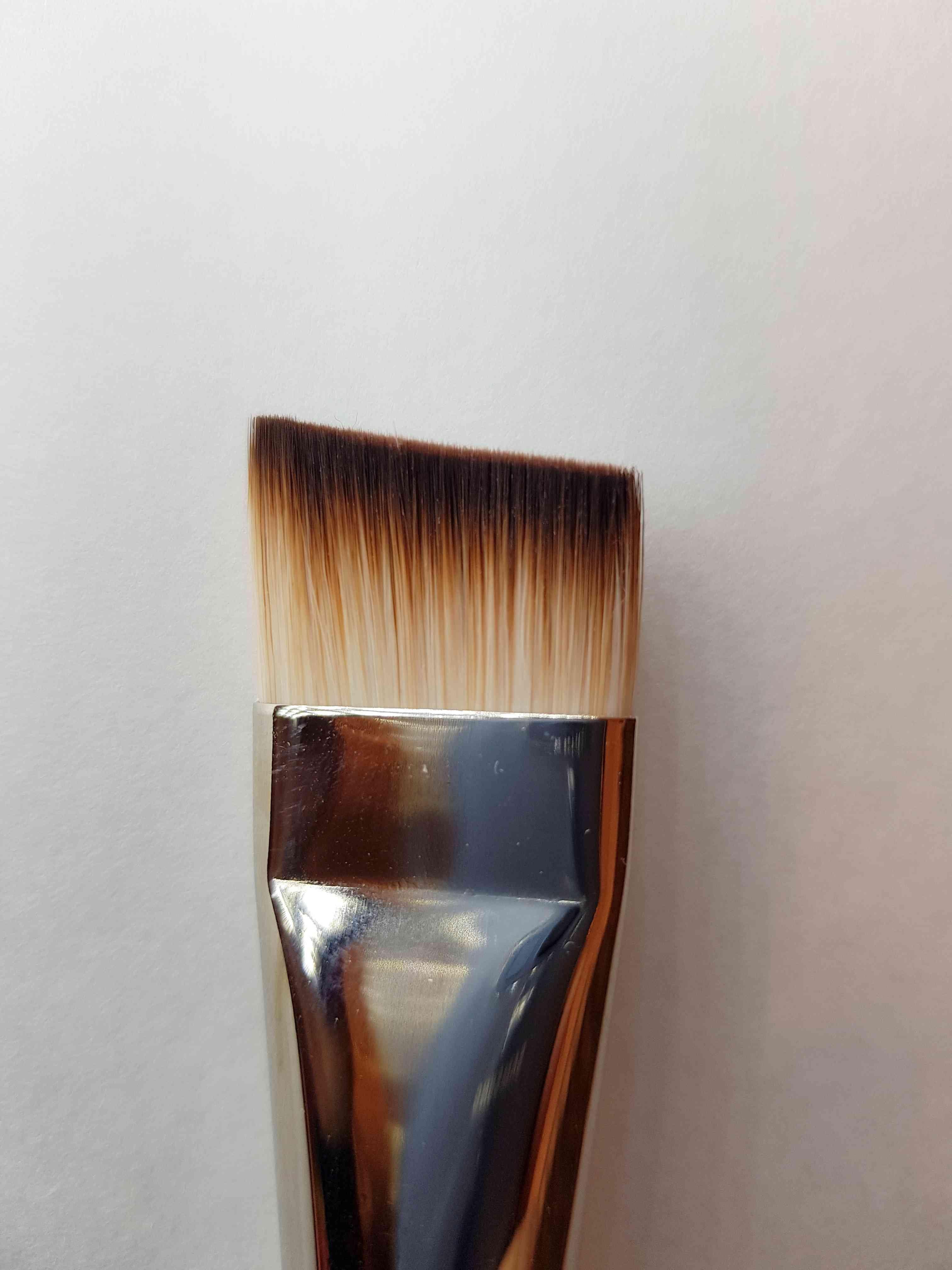 שטוח מלוכסן ג'ון  5/8 אינץ  brush