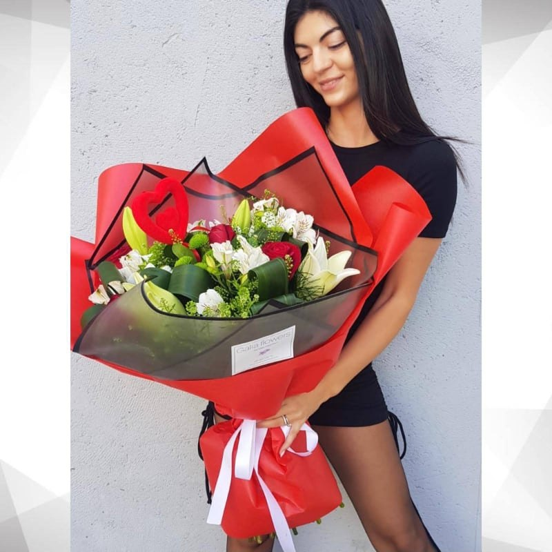 זר פרחי אהבה מקט172(תמונה שייכת לגודל גדול)