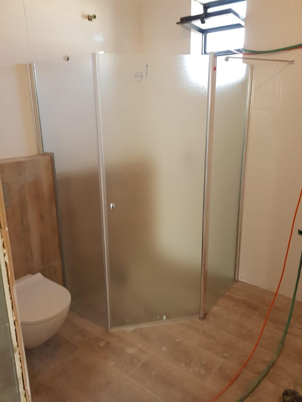 מקלחון פינתי פלורידה קטום