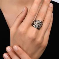 טבעת ספירלי גלים לבן שחור