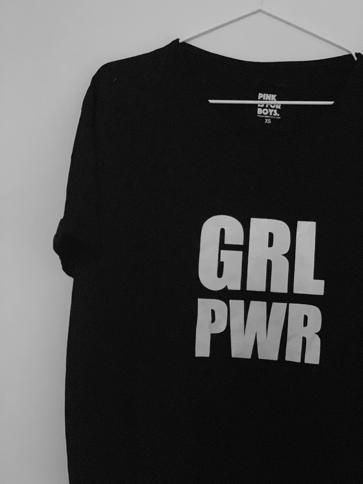 שימלת  grl pwr