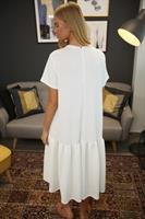שמלת מיה קיץ לבנה