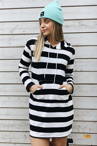 שמלת פסים קפוצ'ון בריטני