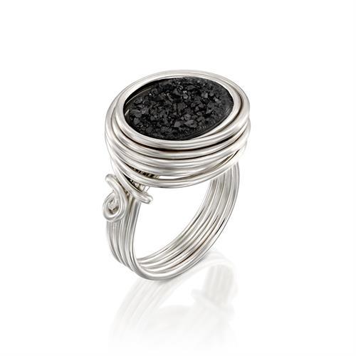 טבעת בזלת שחורה