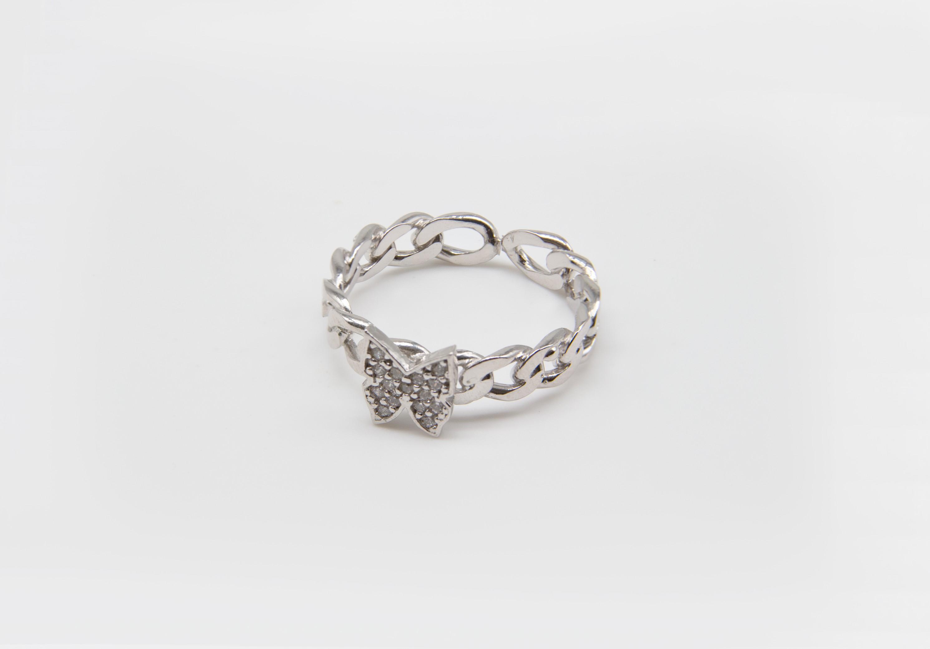 טבעת גורמט עם פרפר