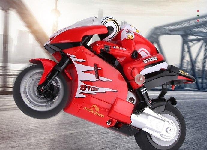 אופנוע כביש על שלט