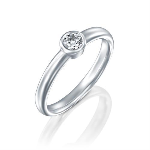 טבעת אירוסין זהב לבן 14 קראט משובצת יהלומים CUPCAKE