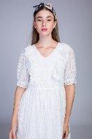 שמלה תחרה לבנה