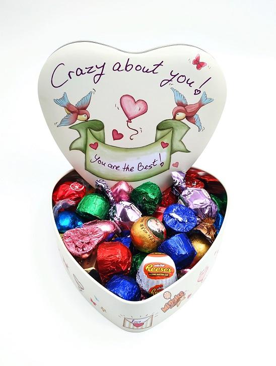 """לב עם שוקולדים """"Crazy About You"""""""