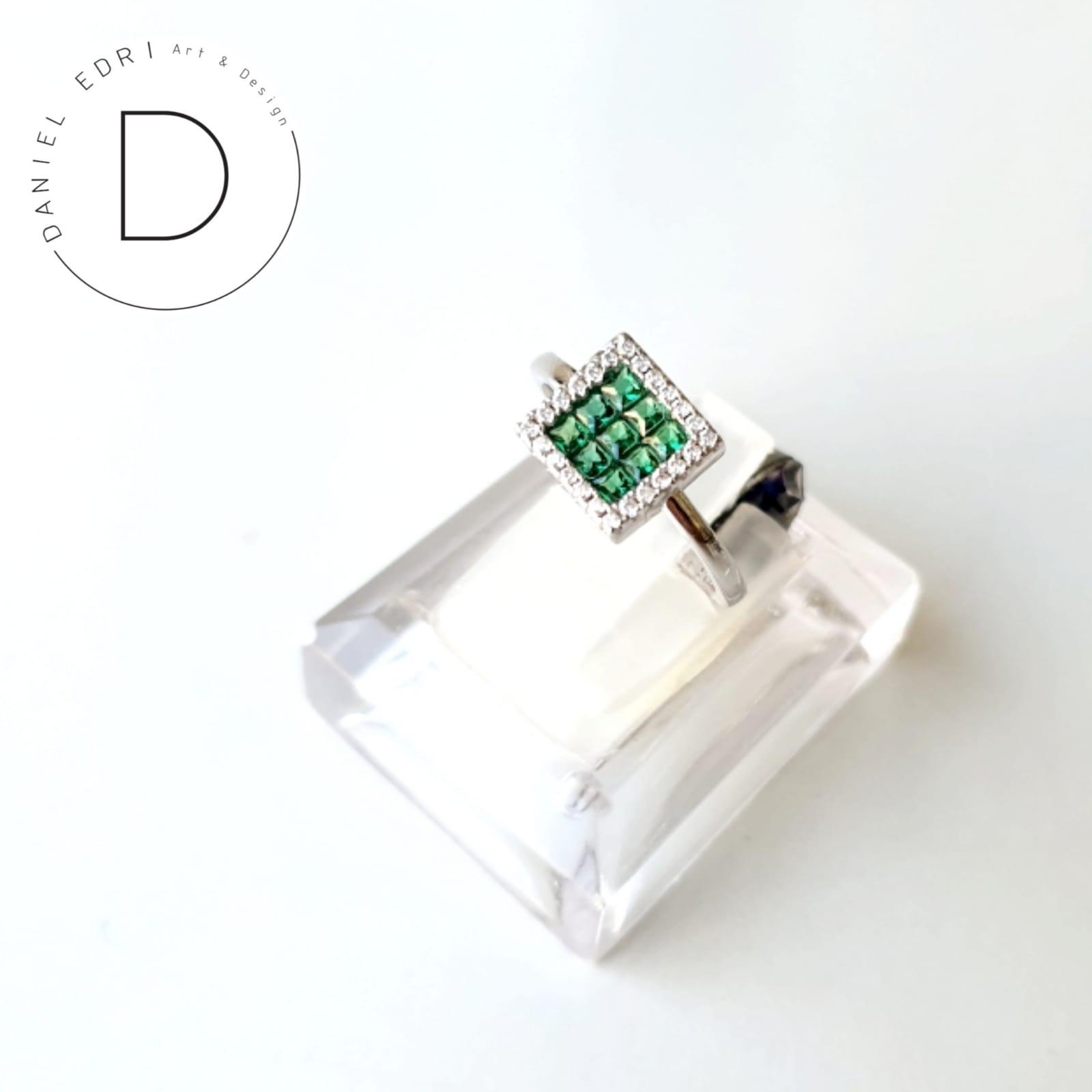 טבעת זרקונים ריבוע ירוק- כסף 925