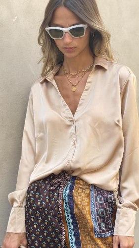חולצת צווארון סילקי זהב