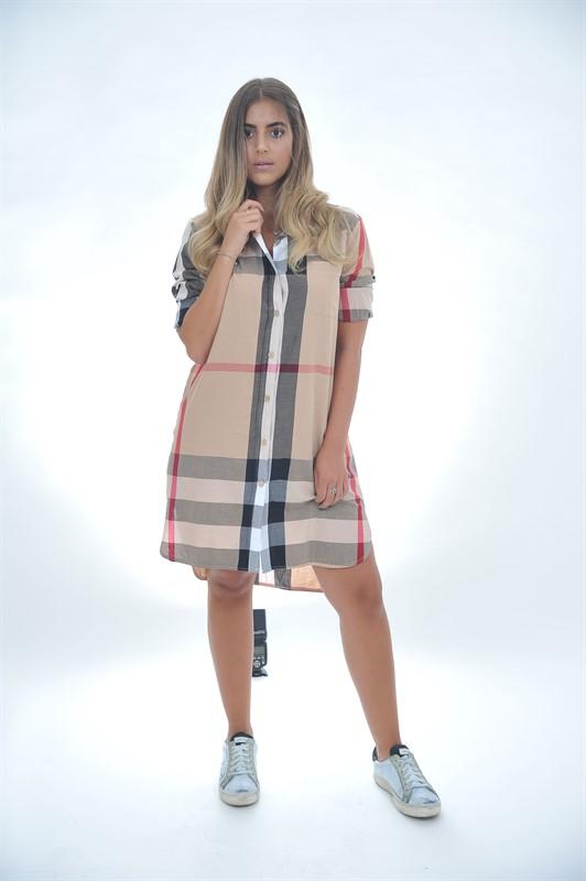 שמלת משבצות כפתורים
