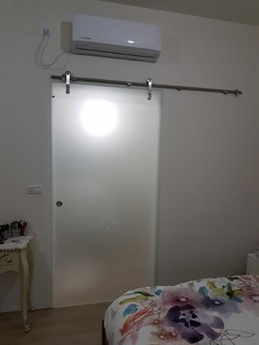 דלת הזזה לחדר מקלחת 4